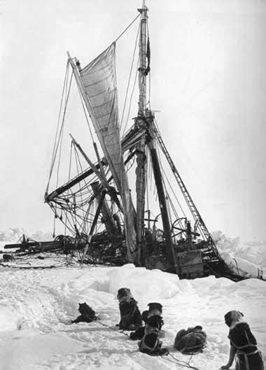 Endurance Final Sinking, 1915 - Frank Hurley