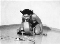 Rhythm 4 - Марина Абрамович