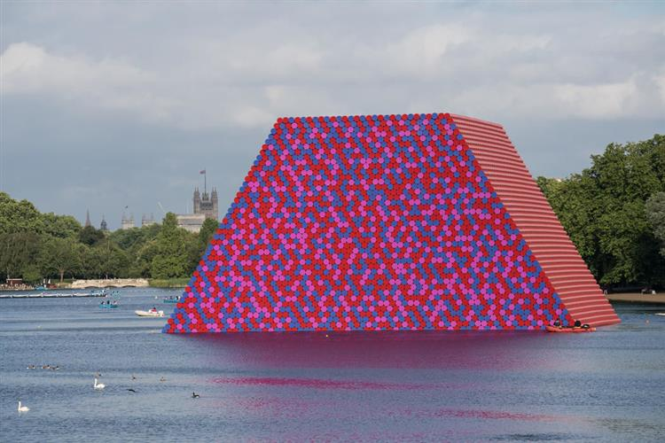 The London Mastaba, Serpentine Lake, Hyde Park, 2016 - 2018 - Christo and Jeanne-Claude