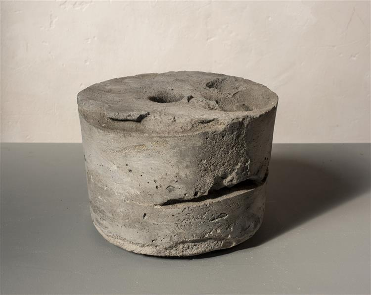 'Bung' - abstract sculpture art in concrete by Carlos Granger, 1995 - Carlos Granger