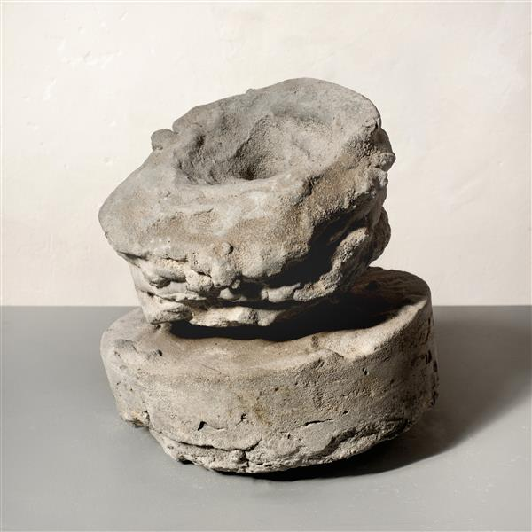 'Rough' - abstract sculpture art in concrete by Carlos Granger, 1995 - Carlos Granger
