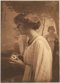 Miss Gladys Lawrence, The Seashell - Frank Eugene