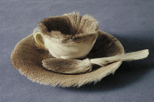 Object (Le Déjeuner en fourrure), 1936 - Мерет Оппенгейм