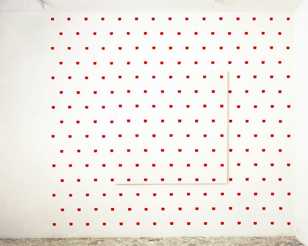Imprints of a No. 50 Paintbrush Repeated at Regular Intervals of 30 cm., 2004 - Niele Toroni