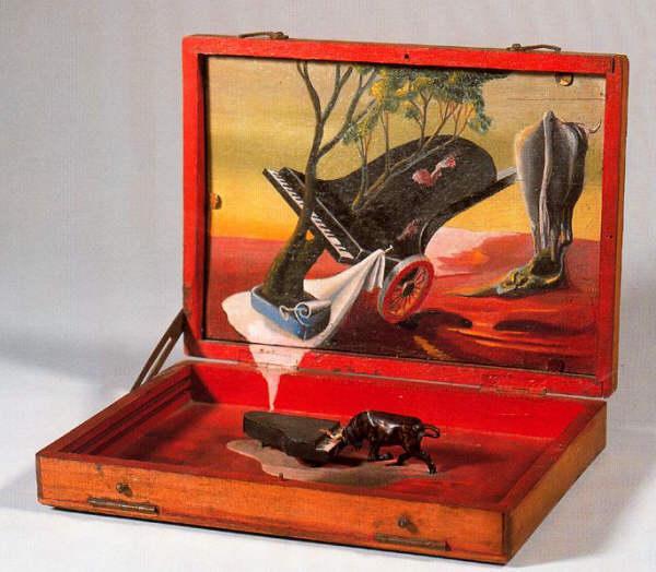 Caja con Piano y Toro, 1936 - Oscar Dominguez