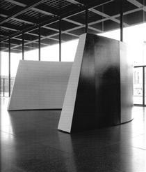 Curve - Ronald Bladen